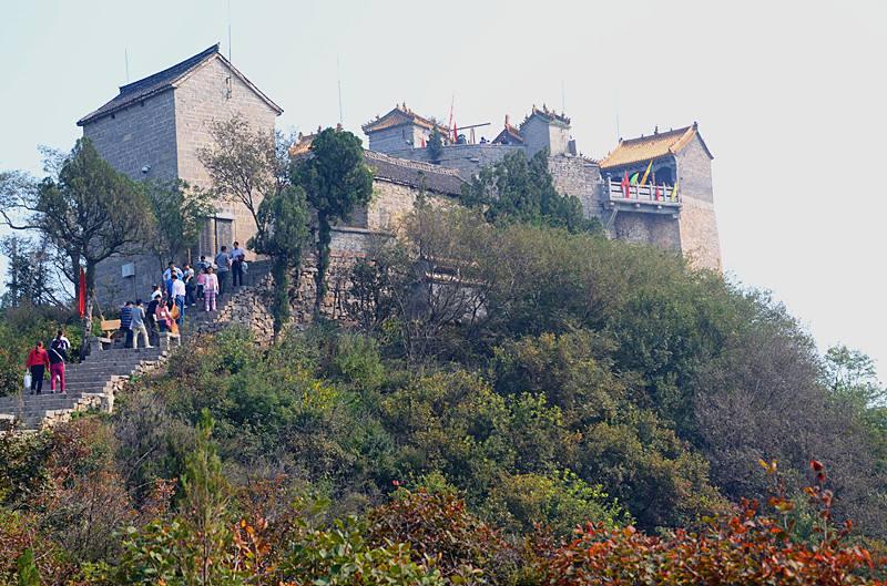 林州概况    柏尖山风景区是林虑山风景名胜区六大景区之一,是国家3a